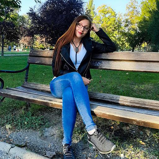 Ana-Marija Posavec: Osluškivala Sam što Mi Govori Intuicija I Evo Nas, Fragmentaši I Ja, Zajedno Stojimo, Poput Stupova Amfiteatra, Iza Anđela.